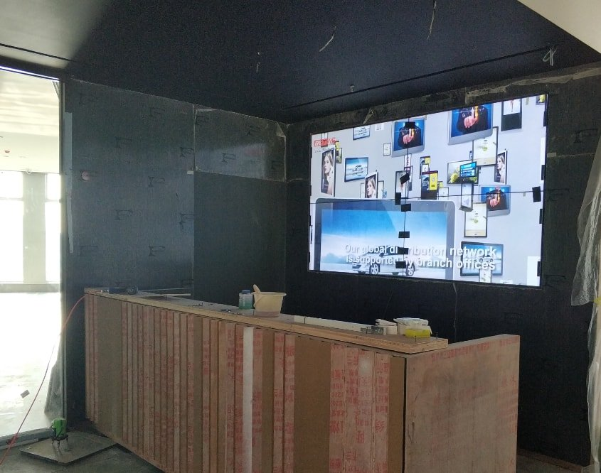 Corporate LCD video wall digital signage solution-MINTEL-Betvis (2)