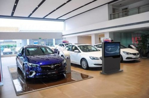 Automotive 4S store digital signage solution-Buick-Betvis (8)
