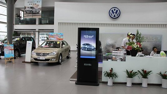 Automotive 4S store digital signage solution-Volkswagen-Betvis (3)