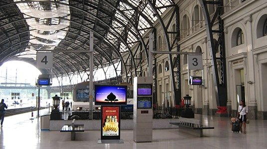 High speed railway station digital signage solution-Transportation Wuhan, China-Betvis (4)