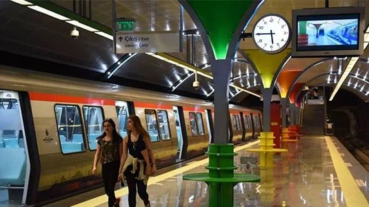 Istanbul metro digital signage, Turkey 2016 new