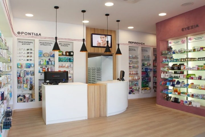 New retail chain store digital signage solution-Athens pharmacy Creece-Betvis (3)