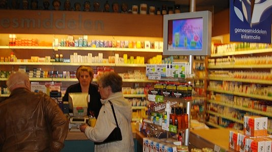 Netherlands Faco Pharmacy 1100+ new media players