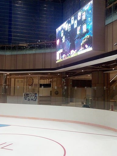 New retail shopping mall interactive social wall photo digital signage solution-CAPITAL Chengdu-Betvis (1)