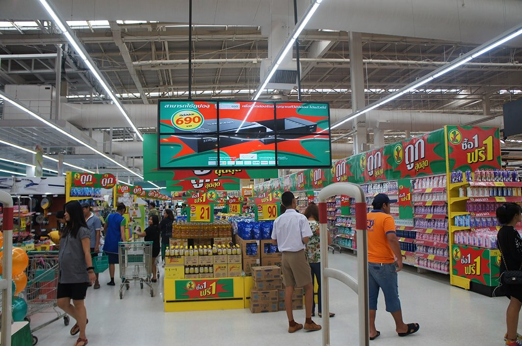New retail supermarket digital signage solution-TESCO Thailand-Betvis (3)